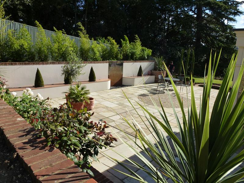 Courtyard Garden Design Exploiting The Sun