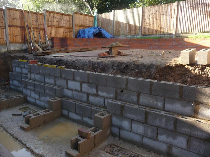 design of family garden construction of retaining wall
